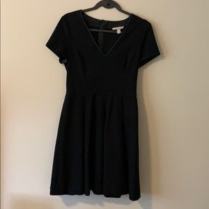 Banana Republic v neck swing dress